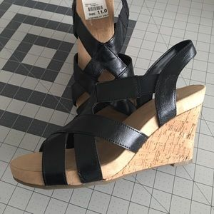 NWT Black Wedge Sandal, Size 11